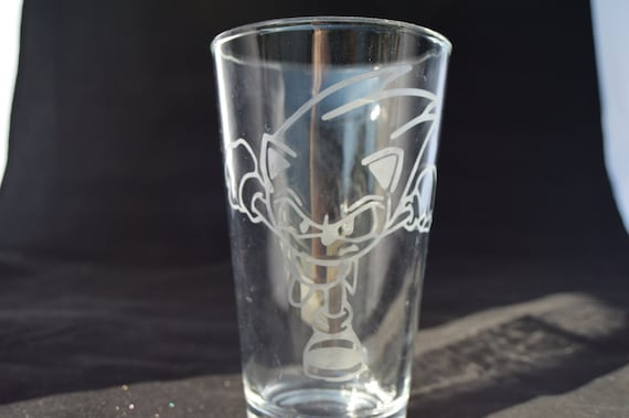 Sonic the hedgehog etched pub glass