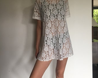 SALE!! 35% OFF 80s white cream lace tshirt dress