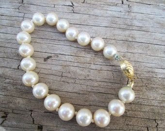 Vintage Marvella Cream Pearl Bracelet, Hand Knotted Gold tone Clasp