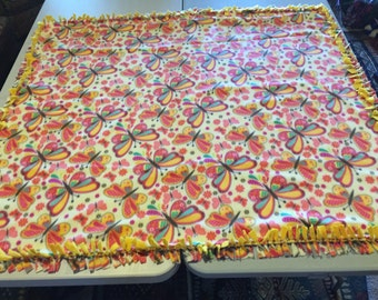 Fleece Knot Blanket, Multi-colored Butterflyprint with Blended Yellow backing, Medium
