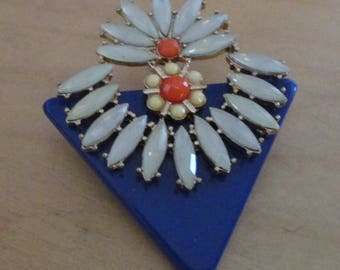 vintage hand made lucite and plastic floral brooch blue,white,coral