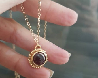 Antique gold garnet necklace, garnet pendant necklace, birthstone necklace mom, red garnet necklace, January birthstone necklace red pendant