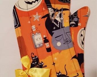 Retro Halloween Oven Mitts!