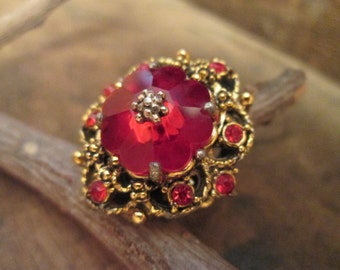 vintage gold tone deep pink victorian style ring