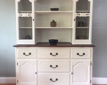Attractive SAMPLE PIECE   White Vintage French Provincial Cupboard Kitchen Hutch