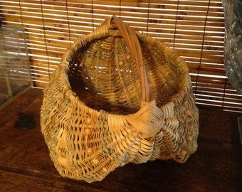 Vintage  Hand Crafted   Egg Basket   Country Decor   Decorative Basket