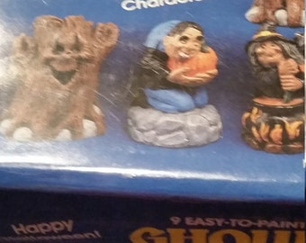 Wee Crafts GHOULISH GANG step by step time to paint kit NIP sealed kit