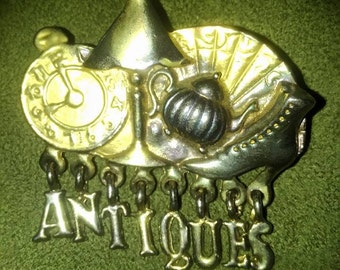 ANTIQUES Brooch (gold tone)