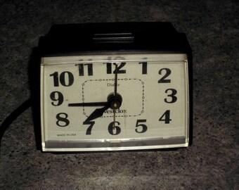 Vintage Westclox Dialite Electric Alarm Clock