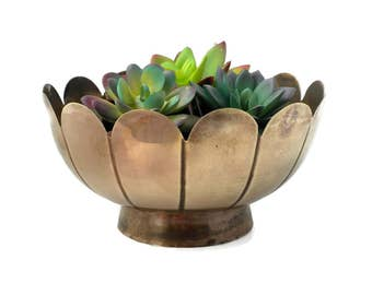 Brass Lotus Planter or Catchall Made in India - 8.5 inches, Brass Bowl, Succulent Planter, Brass Planter, Brass Catchall, Brass Trinket Bowl