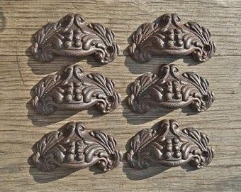 A set of 6 small Victorian style cast iron Acanthus drawer pulls AL8