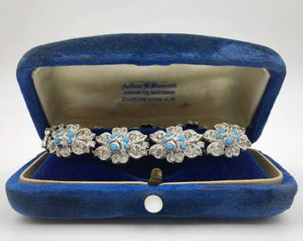 1930s Deco pot metal and paste bracelet, beautiful flower links and turquoise glass details, excellent condition!