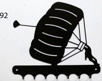 Hangs key pattern metal: paratrooper