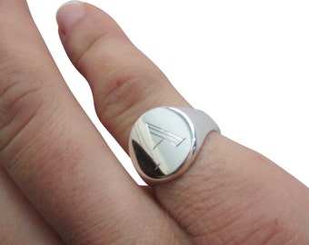 Round signet ring with  engraving