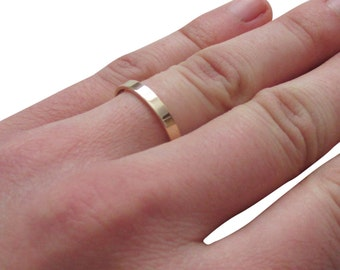 9ct gold flat WEDDING RING with personalised engraving