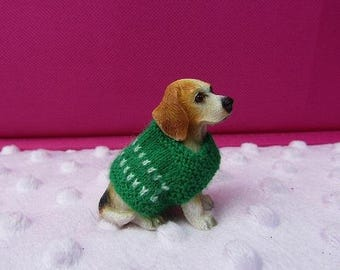 Knitted green 1/12th scale miniature dolls house dog coat  (dog not icluded, display only)
