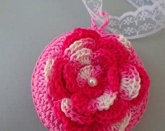 Crochet sachet lavender with flower applique