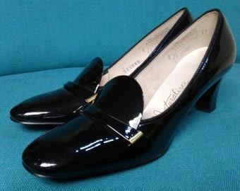 Vintage Naturalizer Pumps - Black Patent High Heels Dress Shoes Loafers - Women'e Ladies Vintage Fashion - 1960s 1970s