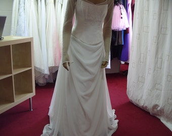 Essense 2 Piece Wedding Dress size 14 (CA34)