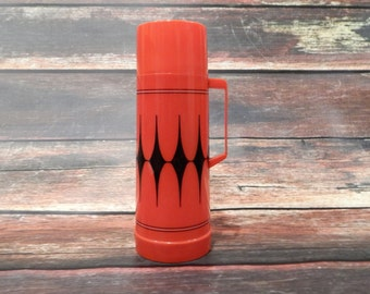 Vintage Thermos: Red Thermos