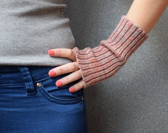 Wool Wrist Warmers / Fingerless Mittens - Pink Marl