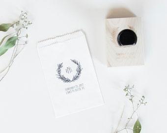 Wedding Favor Stamp // Custom Wedding Stamp // Monogram Stamp // Wedding Gift Stamp // Rustic Wedding // DIY Wedding //  Poppi Paper Co