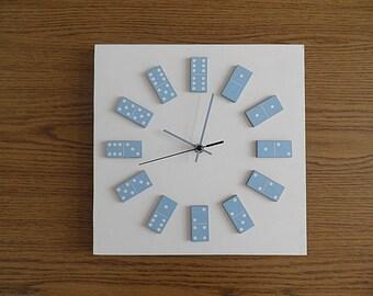 dominos clock, light blue,