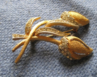 BSK Gold Tone Rose Bud Brooch Decorated with Sparkling Rhinestones 1950s