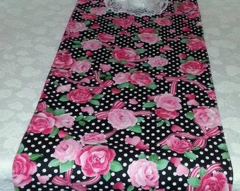 VALENTINES TABLE RUNNER, Heart Runner, Home Decor, Pink Flowers