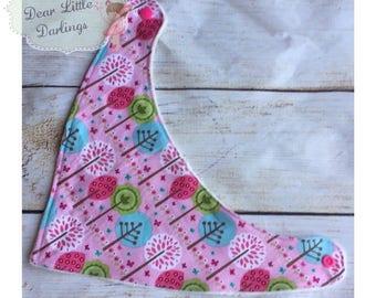 Pink Pattern Print Bib, Baby Bib, Bandana Baby Bib, Dribble Bib, Super soft Fleece Bib, New Baby Gift