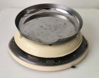 Testut vintage kitchen scale