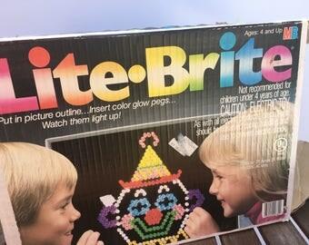 Milton Bradley lite brite 1986