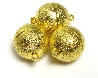 Magnetic clasps, 14mm round, 19mm with holes, openings 2mm, set of three, gold-plated