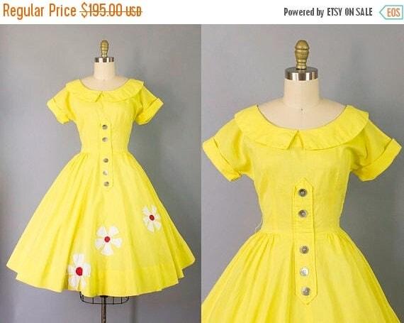 SALE 15% STOREWIDE 1950s yellow floral dress/ 50s Jonathan Logan novelty day dress/ medium