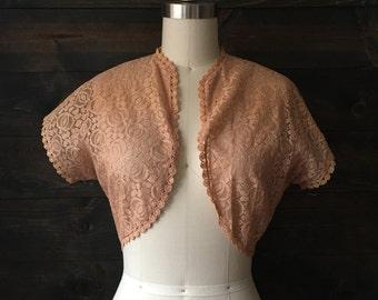 Vintage 30s  lace shrug / wedding lace bolero / tan antique shrug // Edith //