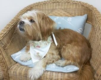 Ivory flower dog wedding bandana, wedding bandana, wedding collar, flower bandana, vintage bandana, dog wedding collar, ivory bandana