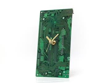 Dark Green Circuit Board Clock, Electrician Gift, Unique gift, Boyfriend Gift, Husband Gift, Computer Geek Gift,  Tech Gift, Computer Gift,