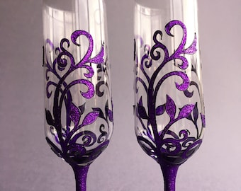 Gothic Purple glasses, Gothic gift, Gothic Wedding Glasses, Damask Pattern Wine Glasses, Gothic Gift