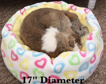 Fleece cat bed / fleece dog bed / soft pet bed / cupcakes / washable pet bed / round cat bed / cute cat bed / blue cat bed