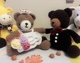 Amigurumi crochet stuffed wedding bears, bride and groom, crochet bouquet