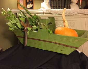 Vintage Wooden Green Farmhouse Tote