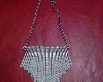 Graphic necklace blade silver