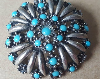 Vintage Turquoise Silver Pewter Tone Floral Circular Flower Brooch