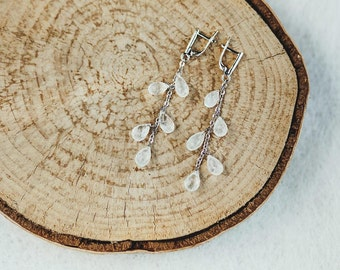 Bunches of earrings with Moonstone