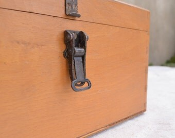 Wooden Storage Box, Vintage Wood Box, Dovetail Box with Lid & Metal Latch, Big Box, Vintage Box, Rustic Wood Box, Keepsake Box
