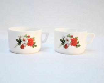 2 coffee cups ARCOPAL milk's glass , red roses and white flowers , vintage , French coffee