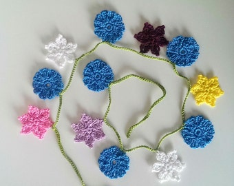 Crochet flower bunting, flower garland, spring flower decoration, baby room decor, colourful flower garland, fireplace decor, wall decor