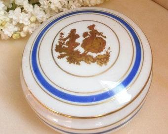 Vintage Limoges France porcelain / / Bijoux//bonbonniere//signeec.i.d box. Uni of Art / / / gold/Gold / / scene Fragonnard galante, Marquis