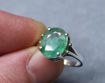 Emerald Ring, Unique Ring, Genuine Emerald, Emerald Solitaire, Silver Ring, Wedding Jewelry, Green Gemstone, Elegant Jewelry, May Birthstone