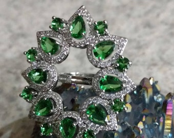 CLEARANCE *Bright Green Crystal Ring Size 7